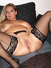 Mature tart seducing like a pro