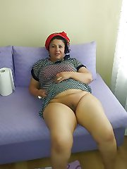 Mature and Milf Pictures
